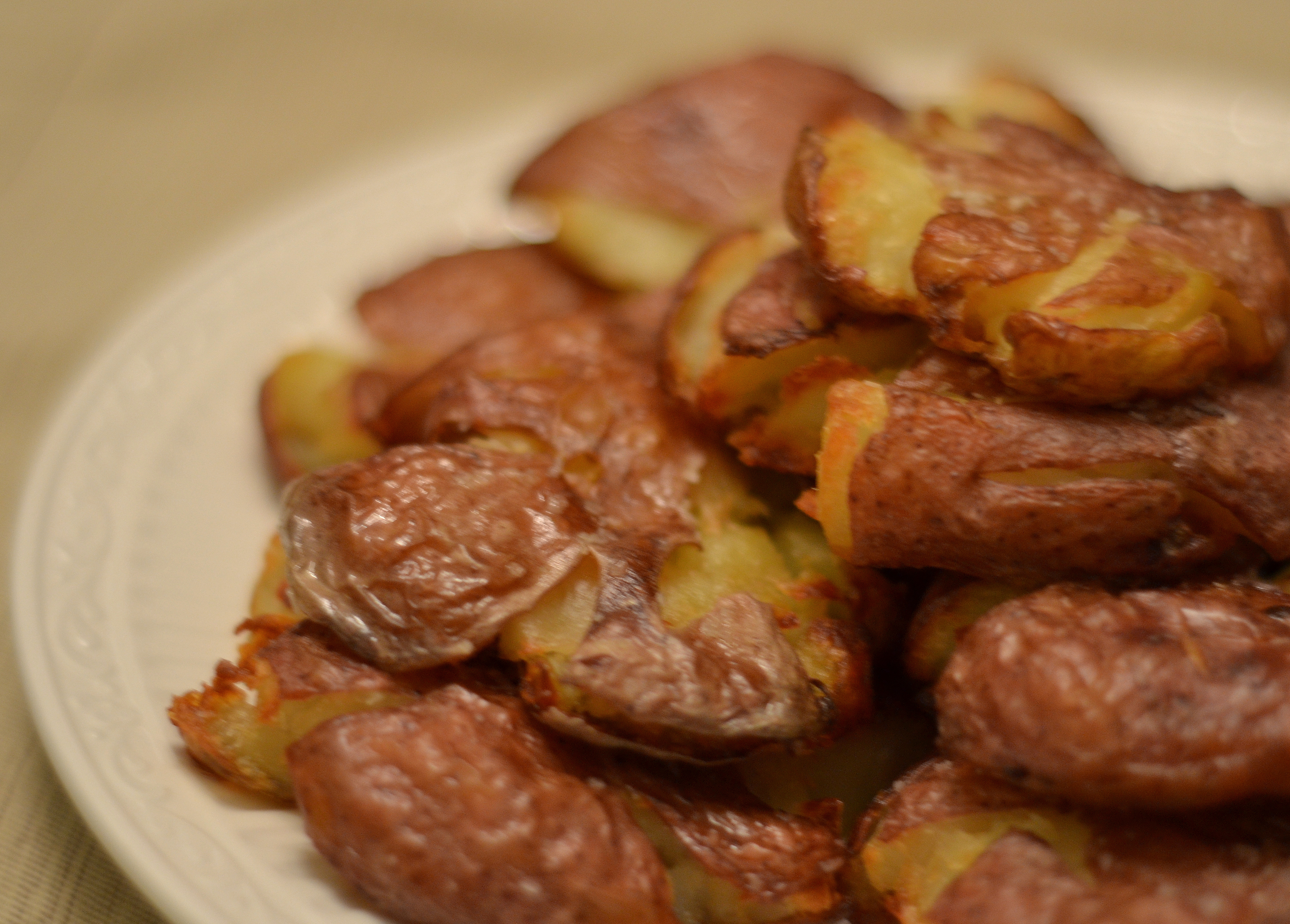 Crispy Smashed Roasted Potatoes - Chew Nibble NoshChew Nibble Nosh