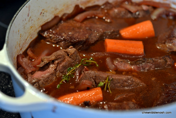 braised beef short ribs slow cooker