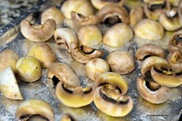 Roasted Mushrooms with Garlic, Thyme & Balsamic Vinegar - A Taste of ...