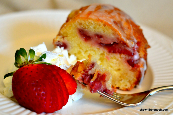 Fresh Strawberry Yogurt Cake - Chew Nibble NoshChew Nibble Nosh