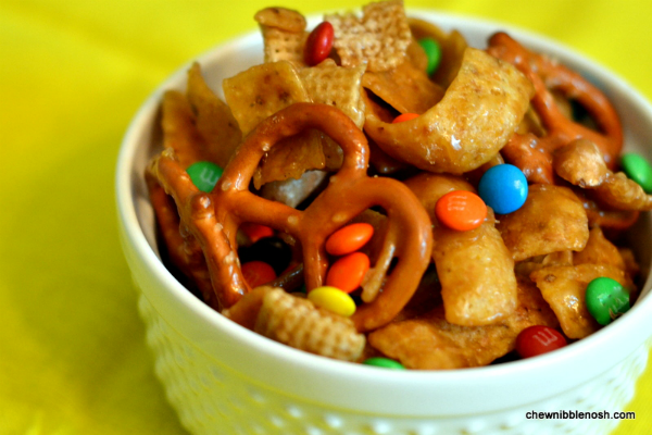 Sweet & Salty Frito Snack Mix - Chew Nibble NoshChew Nibble Nosh