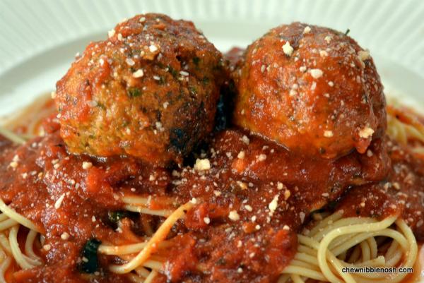 Easy Slow Cooker Pesto Meatballs - Chew Nibble NoshChew Nibble Nosh