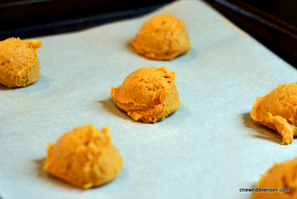 Soft Pumpkin Spice Cookies with Cinnamon Cream Cheese FrostingChew ...