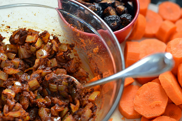 Slow Cooker Moroccan-Spiced Beef Stew - Chew Nibble Nosh 2