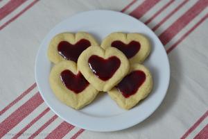Valentine Heart Thumbprint Cookies - Chew Nibble Nosh 5