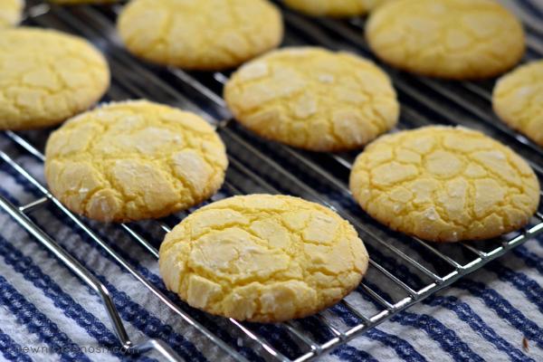 Easy Lemon Crinkle Cookies - Chew Nibble Nosh 4