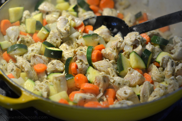 One Pot Italian Chicken & Orzo Stew - Chew Nibble Nosh 2